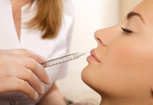 Проведение контурной пластики губ