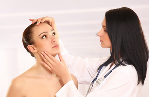 Возможные осложнения и противопоказания салицилового пилинга
